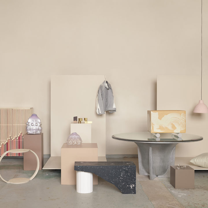 https://www.formdesigncenter.com/uploads/2017/10/1000x1000-group-photo_photo-petra-bindel-styling-emma-persson-lagerberg.jpg